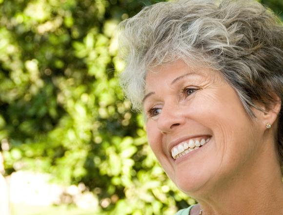 Dentist in Plainview | Optimal Gum Health for Seniors